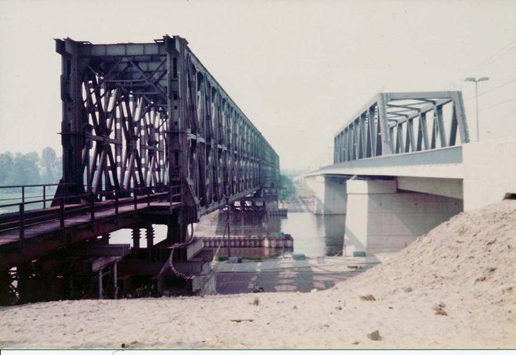 Oude en nieuwe spoorbrug