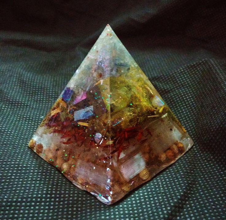 Kyanite, Rainbow Aura Quartz, Sunshine Aura Quartz and Selenite Piezoelectric Pyramid with Agrimony, Sandalwood and Coriander by KomacFineArt on Etsy