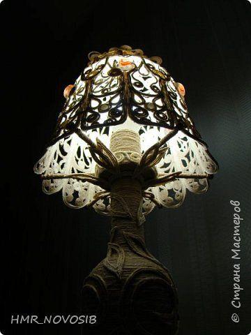"""Добрый вечер, друзья мои! Очень большое впечатление на меня произвели лампы из бутылок. Красота необычайная!  Конечно у меня зародилась """"хотелака"""". Росла-росла, а я бродила по просторам интернета и подкармливала свою """"хотелку"""". А потом взяла и сделала лампу). Первую мою лампу.  фото 4"""