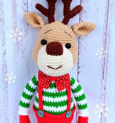 Cute crochet (amigurumi) reindeer toy - free crochet pattern // Amigurumi rénszarvas Rudolf baba (ingyenes horgolásminta) // Mindy - craft tutorial collection // #crafts #DIY #craftTutorial #tutorial #amigurumi #crochet #freeCrochetPattern #freeAmigurumiPattern