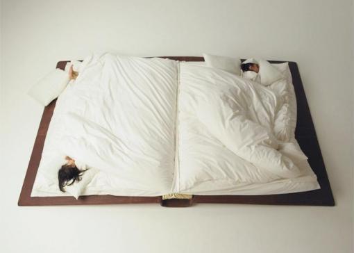 book bed by suzuki yusuke http://fotostalgie.net/fotostalgie.html via http://referans.wordpress.com/2011/03/04/historinha-pra-dormir/