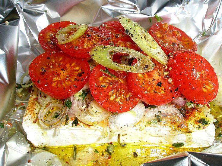 Zutaten    4 Stück(e) Schafskäse  2 Knoblauchzehe(n)  4 EL Olivenöl  1/2 TL Kräuter der Provence  1 Prise(n) Cayennepfeffer  1 Pri...