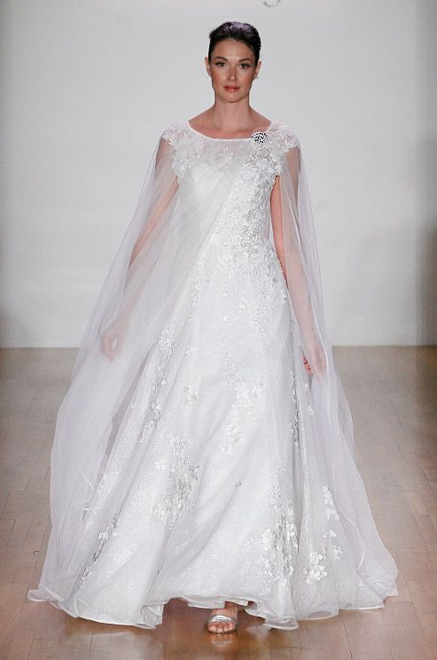 33 best Unique Wedding Gowns images on Pinterest | Wedding frocks ...