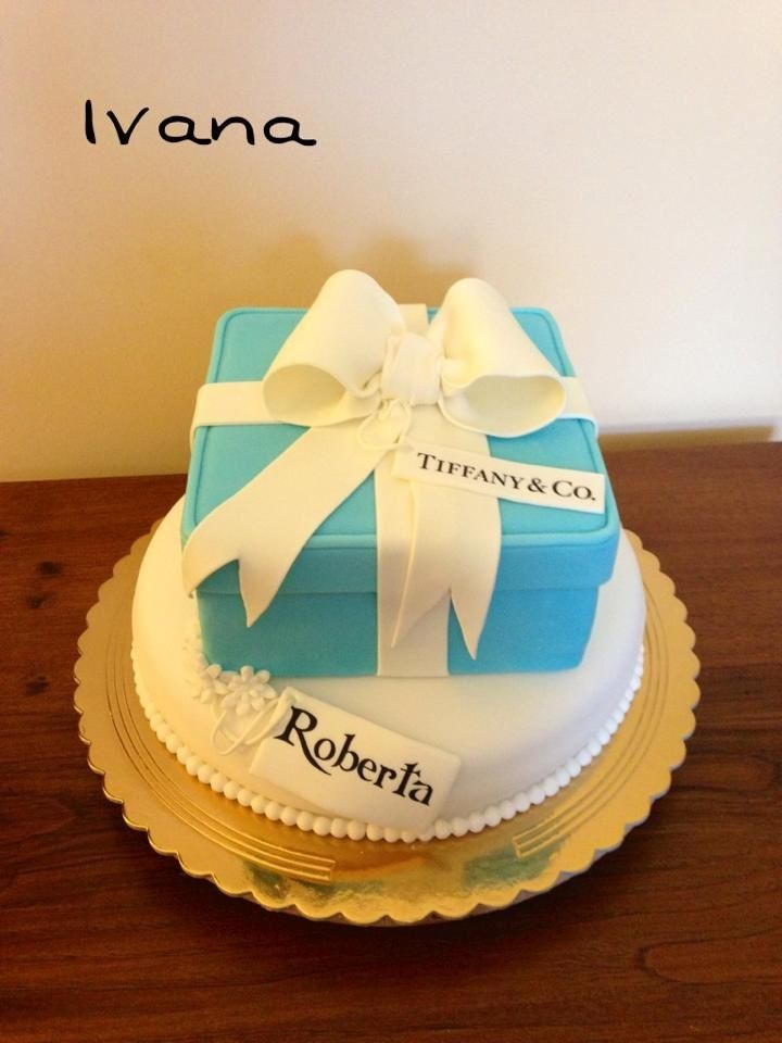 Tiffany's box fondant cake
