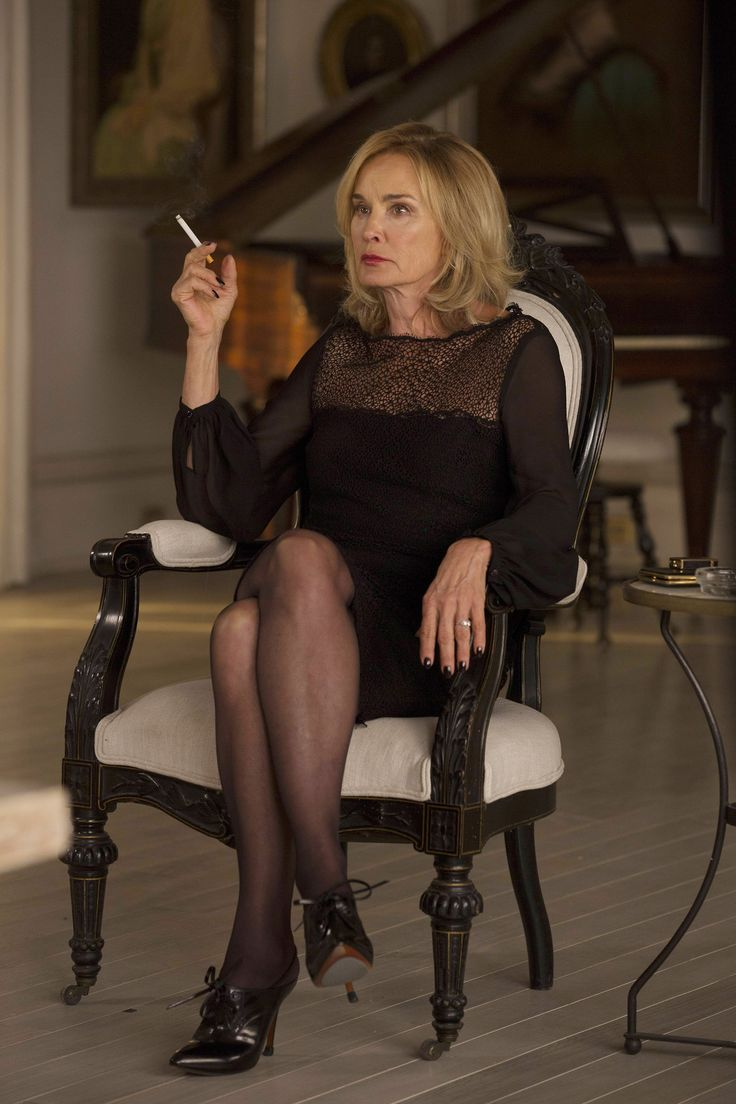 fiercefabulousflawless:  HQ still photo of Jessica Lange as Fiona Goode inFearful Pranks Ensue.