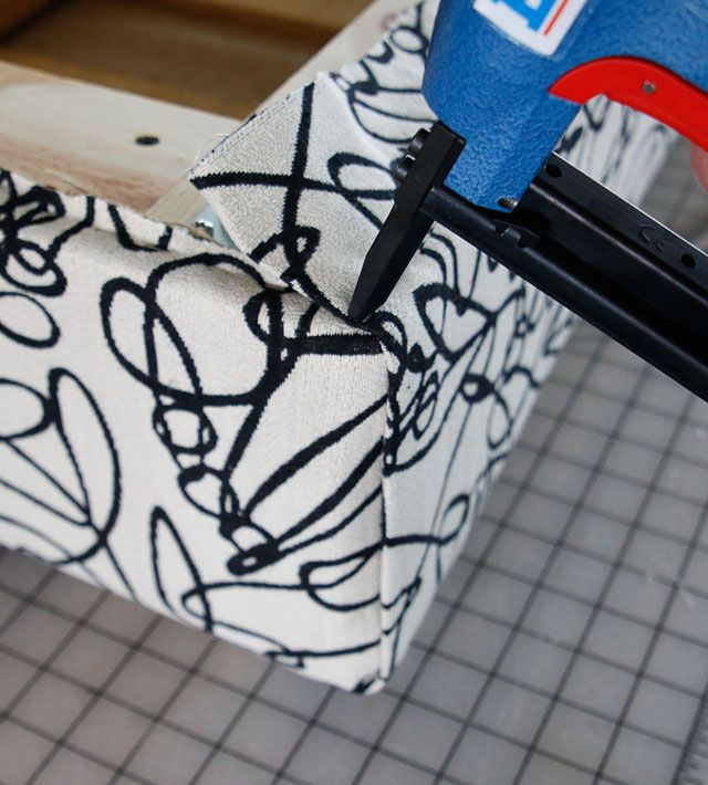 upholstered-pallet-ottoman