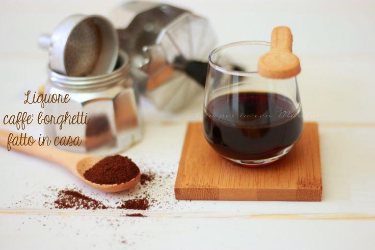 Il liquore caffè borghetti fatto in casa è un liquore al caffè semplice, veloce e delizioso da preparare con pochi ingredienti, bello anche come idee regalo