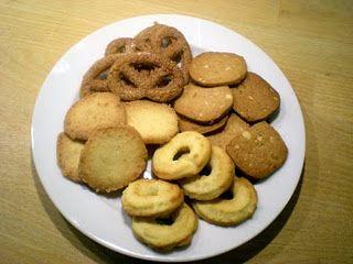 Julebag – brune kager, vanillekranse, kanel kringler og marcipan specier…