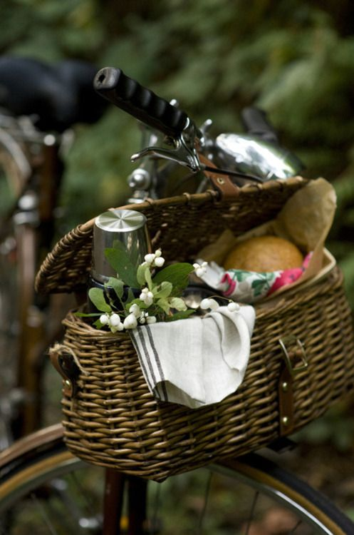 Lovely. #bicycle #picnicbasket