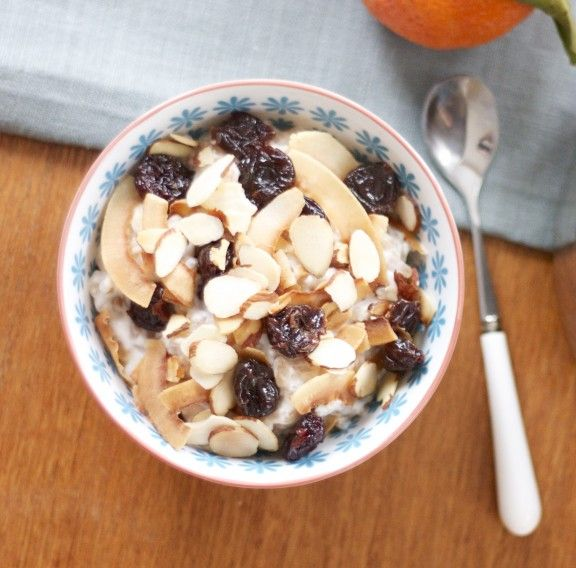 warm farro salad with coconut, almonds, and dried cherries: Breakfast Desserts, Cherries Recipes, Almonds, Farro Salad, Dry Cherries, Coconut Milk, Vegans Breakfast, Breakfast Coconut Mmmm, Dried Cherries