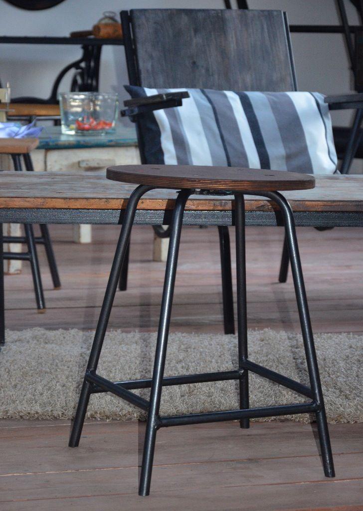 Les 46 meilleures images propos de assises chaises bancs tabourets sur p - Mobilier industriel nantes ...