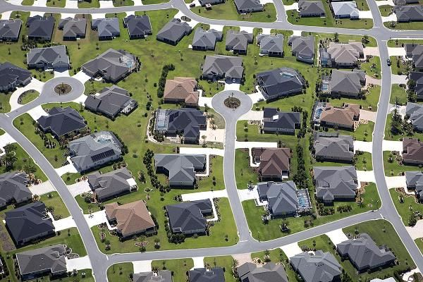 Homebuyers rush to riskier mortgages as home prices heat up https://www.cnbc.com/2017/10/03/rising-heat-in-home-prices-makes-buyers-rush-to-riskier-mortgages.html #mortgagerates #platinumlending #orangecounty #loan #finance #realestate #homepurchase #homerefinance #interestrates #homerefinance #residentialmortgage #realestatemortgage #robertdarvish #bobbydarvish #lowinterestrates #fed #homefinance