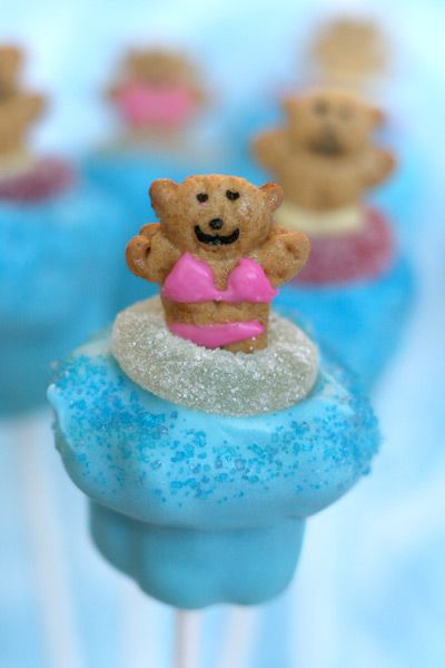 Pool party pops from Bakerella-