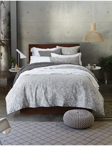 Inspired by wildflowers, the delicate floral artwork on this quilt cover set floats on a beautifully soft, casual chambray, which has been vintage washed to create a natural, casual appearance.
