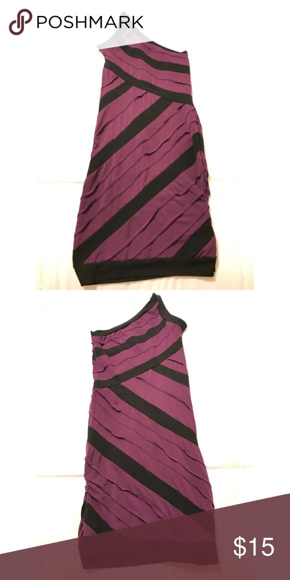 One shoulder purple/black dress Great dress for the club or going out. Hugs figure and curves! Size is 2. Dresses One Shoulder
