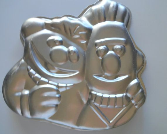17 Best Images About Cake Pans On Pinterest Wilton Cakes