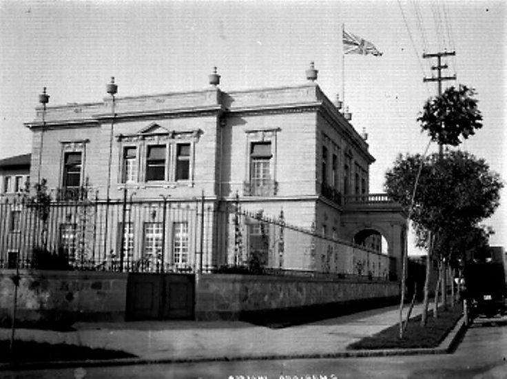 Embajada Británica, Río Lerma 71 esq. Río Sena. Arq. Charles Grove.