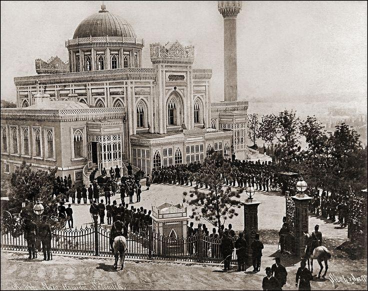 1885. #YıldızHamidiyeCami etrafında #selamlık. #beşiktaş