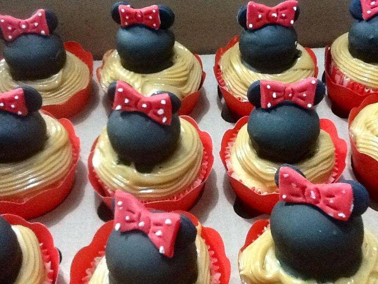 Cupcakes da Minnie com bombom e doce de leite