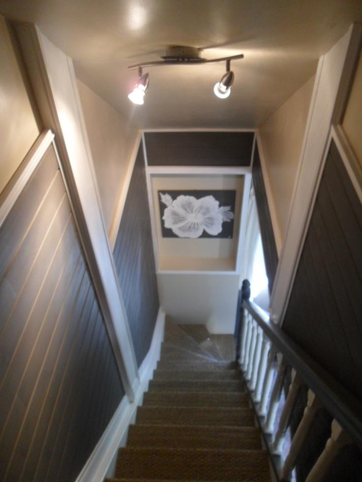 mon escalier,lambris peinture ,jonc de mer beaucoup de travail mais résultat à la hauteur