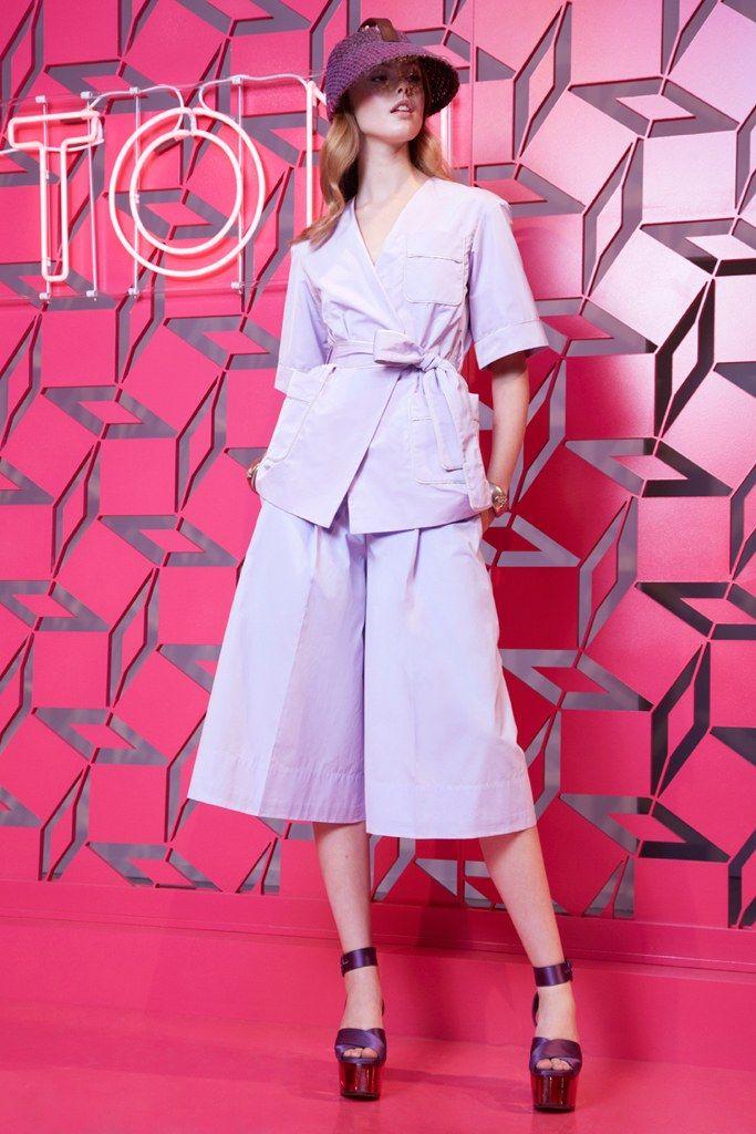 Louis Vuitton Resort 2013 Fashion Show - Frida Gustavsson