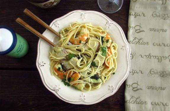 #20160504 #FISHandPASTA #SPAGHETTIwithDOGFISHandSHRIMP Recipe: Spaghetti with Dogfish (Cazón) and Shrimp. http://www.foodfromportugal.com/recipe/spaghetti-dogfish-shrimp/