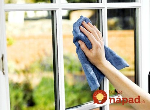 Chystáte sa umývať okná? Toto sa vám bude hodiť!