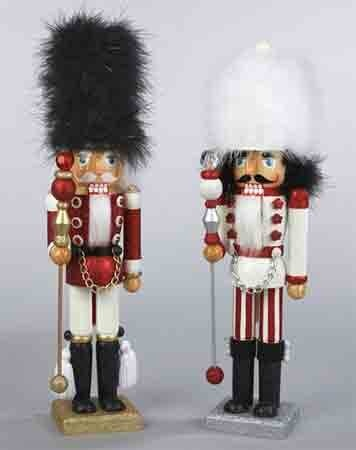 25 unique nutcrackers ideas on pinterest nutcracker. Black Bedroom Furniture Sets. Home Design Ideas