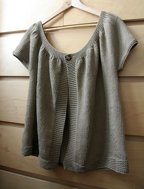 Lady Kina - A short cardigan with gathered mini sleeves, worked top down in one piece - pattern by Muriela