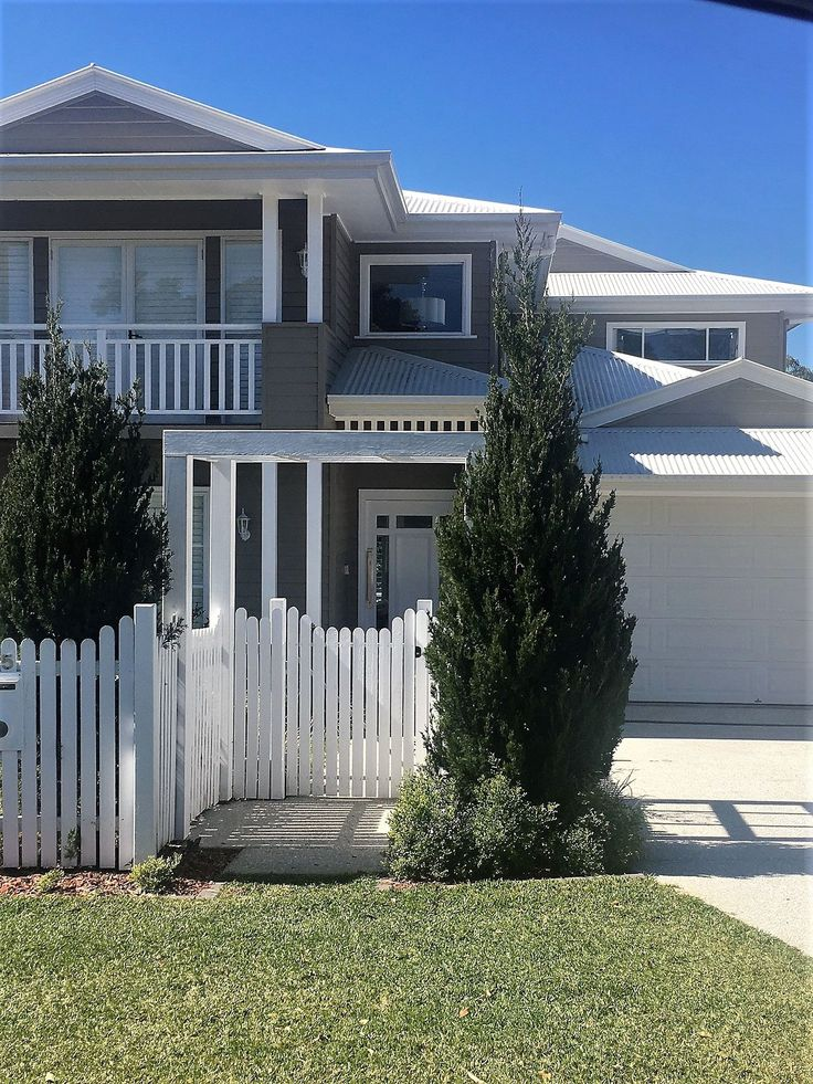 It is nice to do a drive by of our homes at times and see that they are looking just as good as the day we handed them over, just like this one at #ashgrove looking like it's family loves their evermore home . . . . . . . #designandconstruct #brisbanebuilder #brisbanehomes ##hamptonshome #hamptonshomestyle