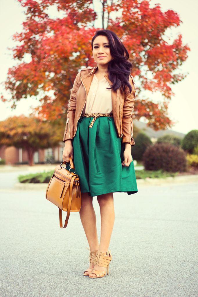 www.jessicafashionnotes.com Otoño, midi skirt, falda a la rodilla, falda verde, green skirt, cognac leather jacket, vintage, outfit, fashion, woman, ootd, blogger style, street style, fall 2014, purple hair