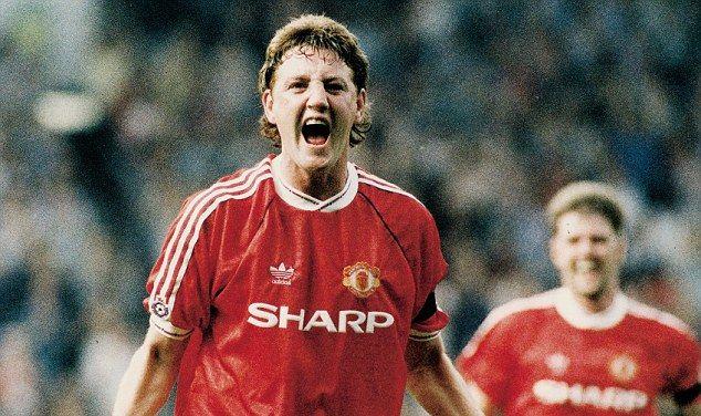 Steve Bruce was a key figure in Manchester Uniteds early Premier League success