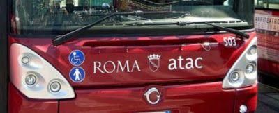 VISTO DAL basso    : ROMA Maleducazione o razzismo sul bus 913?