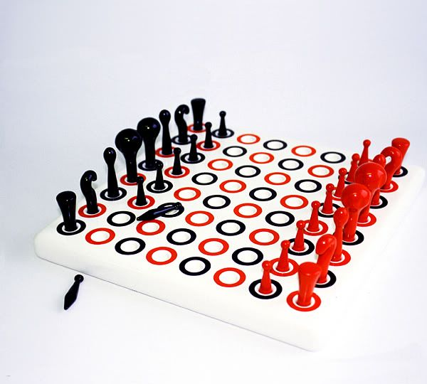 Playmore chess Diseñado por Fredrik Lund