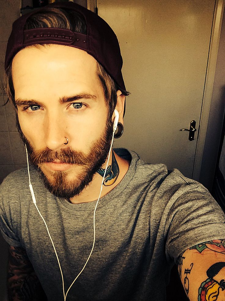 Guys With Blue Eyes And Blonde Hair: Alternative Guys With Tattoos Selfie