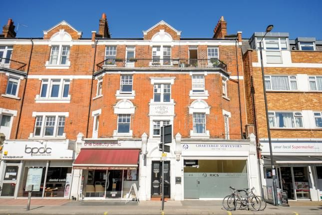3 Bed Flat For Sale, Colehill Gardens, Fulham Palace Road, London SW6, with price £600,000 Offers over. #Flat #Sale #Colehill #Gardens #Fulham #Palace #Road #London