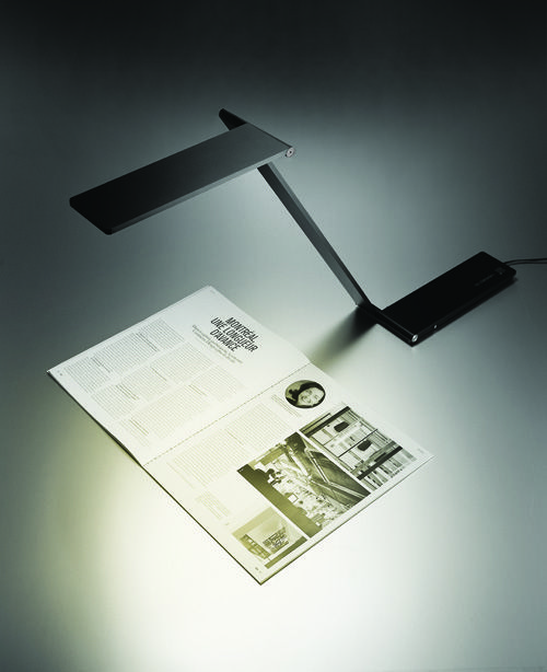 Be Light Table   Folding LED Desk Lamp
