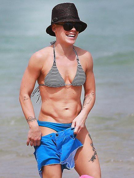 Kellie pickler bathing suit very pity