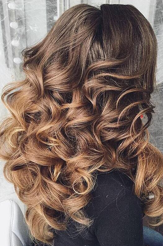Voluminous Curls on @antonina_romanova_ <3