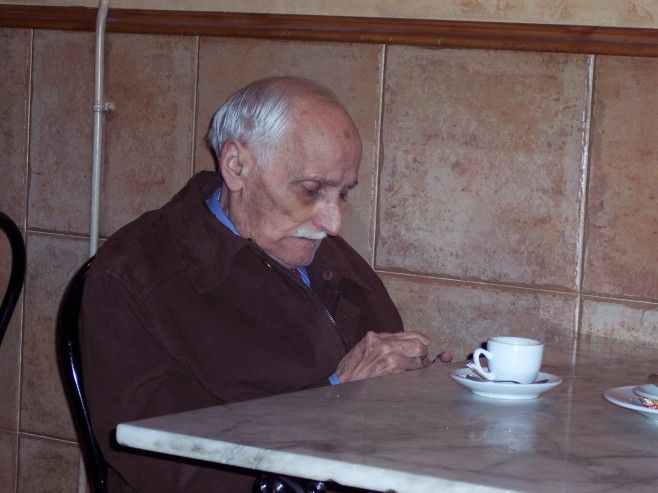Old man coffee-6834