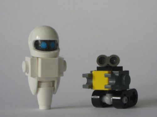 WALL•E and Eve: A LEGO® creation by James LasagnaBoy : MOCpages.com