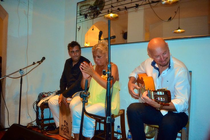 Bar 'El Palique' hosting an amazing flamenco singer. She was incredibly powerful and very authentic in her performance.
