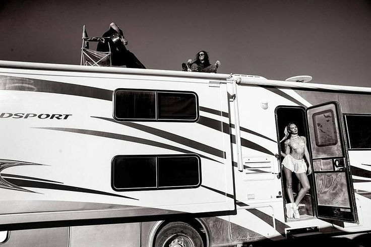 "#Repost via @lucas_skywalker_ : ""Missing the desert heat! ��✴️�� #tbt #burningman #squad #sand"" - @angelcandices | #candiceswanepoel #angelcandices #angel #candice #angelcandice #swanetors #candy #instagram http://misstagram.com/ipost/1547987593831024666/?code=BV7joPXAoga"