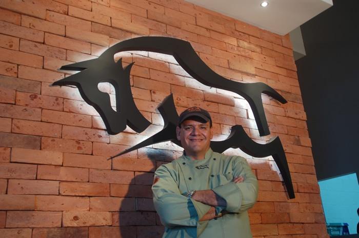 Torritos Manuel Torres Owner/Dueño Restaurante El Salvador