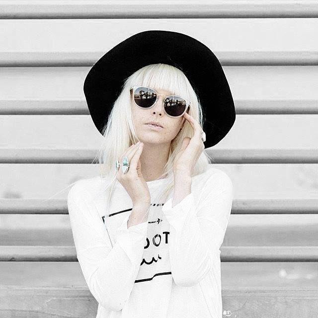 Klassische, kreisförmige Sonnenbrille gepaart mit schwungvollen Linien und modernen Kurven. Hier entdecken und shoppen: http://sturbock.me/JTo