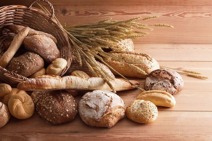 子供から大人まで大人気のパン。でもパンを作るのってすごく大変なイメージがありますよね。。捏ねたり寝かせたり場所も取るし手間がかかる…でもホームベーカリーがあれば手軽に作れちゃうんです!今回はその中でも定番なものから特別感のあるものまで、今すぐ食べたくなる菓子パンのレシピをまとめました。おうちでつくる焼きたてアツアツのパンは、コンビニやスーパーで買うものよりもずっと美味しいですよ!