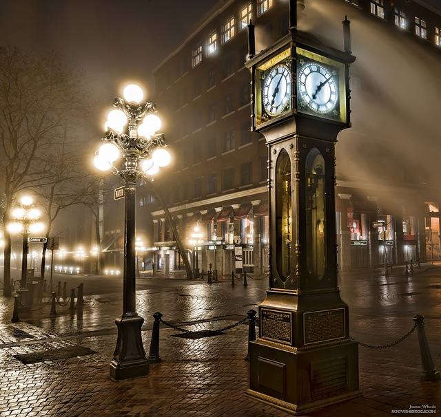 Gastown Vancouver: The Gastown Steam Clock, Vancouver BC