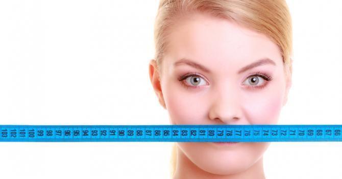 10 exercices pour maigrir des joues : http://www.fourchette-et-bikini.fr/sport/10-exercices-pour-maigrir-des-joues-36659.html%20