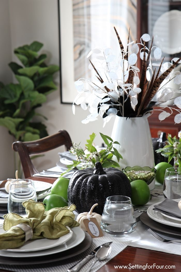 17 best ideas about fall table centerpieces on pinterest for Simple dining table centerpiece ideas