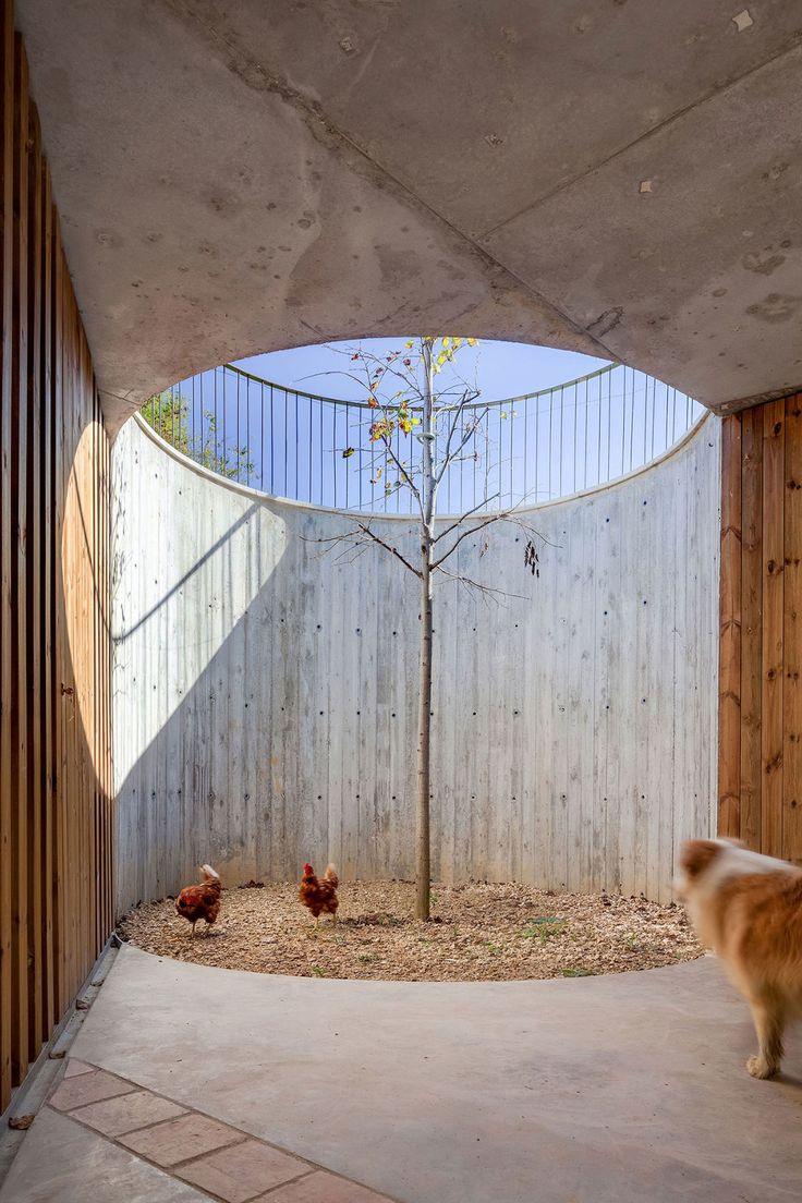 Arnau Estudi d'Arquitectura, Marc Torra Ferrer · Farm Surroundings · Divisare